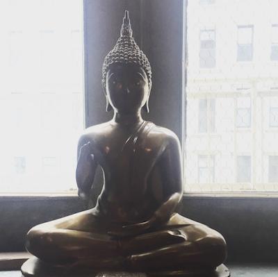 Simple To-Do To Help Spread Peace | Mind Body Soul Stylist | elyshalenkin.com