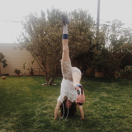 Simple Stretch Routine For Before, After, Or As Your Workout | elyshalenkin.com | MindBodySoul Stylist